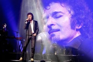 GINO VANNELLI LIVE IN CONCERT