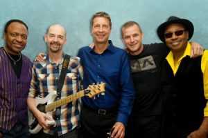 ACOUSTIC ALCHEMY LIVE IN CONCERT