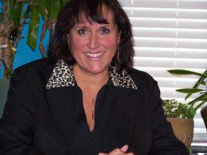 Texas Nafas presents poet Janet Kuyper