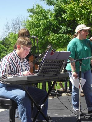 ART IN THE PARK-PERFORMERS NEEDED